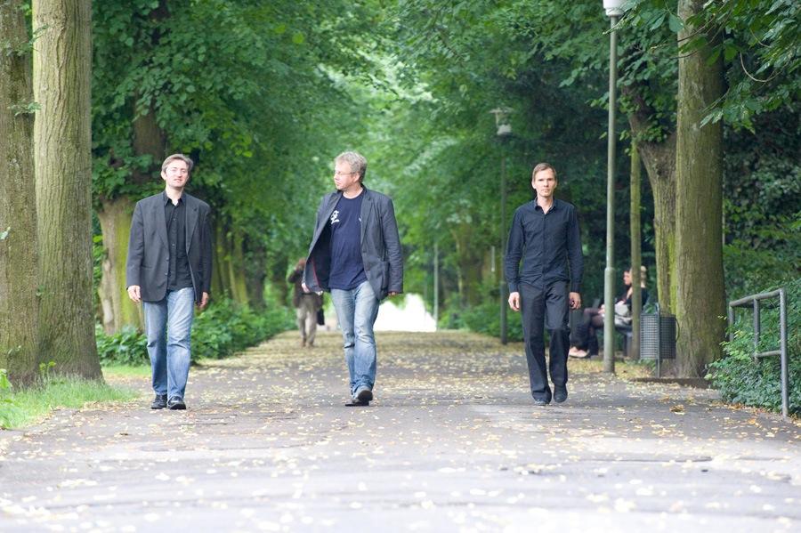 ValkTrio_Catwalk
